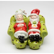 CosmosGifts Mrs.Claus and Santa Chilling Out 2-Piece Salt and Pepper Set