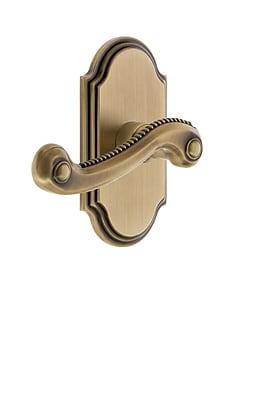 Grandeur Newport Door Lever w/ Arc Plate; Vintage Brass