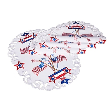 The Holiday Aisle Star Spangled Embroidered Cutwork Placemat (Set of 4)