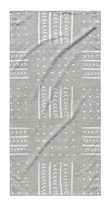 Union Rustic Dalton Symmetry Geometric Cloth Bath Towel w/ Single Sided Print; Gray