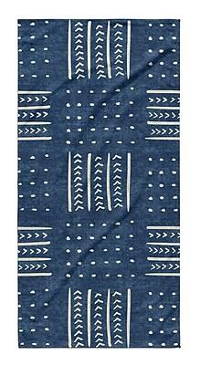 Union Rustic Dalton Symmetry Geometric Cloth Bath Towel w/ Single Sided Print; Indigo