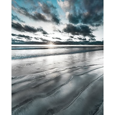 Highland Dunes 'Silver Sun' Graphic Art Print on Gallery Wrapped Canvas; 28'' H x 22'' W