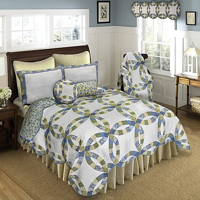 August Grove Colwyn Wedding Quilt; King