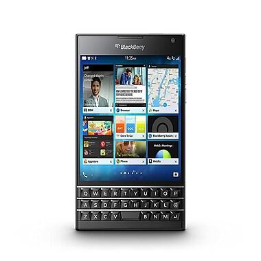 BlackBerry - Cellulaire déverrouillé Passport remis à neuf 4,5po, 32Go, 2,26GHz 4 coeurs BlackBerry 10 OS, noir (SQW-100-1)