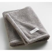 One Allium Way Orchard Ultra Absorbent Bath Towel; Gray