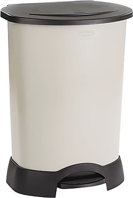 """""Rubbermaid Step-On Waste Containers, 30 Gallon, Light Platinum, 34 1/4""""""""H x 24 1/2""""""""W x 19 3/4""""""""D"""""" 818860"