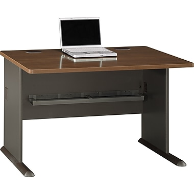 BushMD – Bureau 48 po de la collection Cubix, fini noyer Sienne/bronze