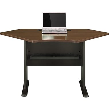 BushMD – Bureau en coin 42 po de la collection Cubix, fini noyer Sienne/bronze
