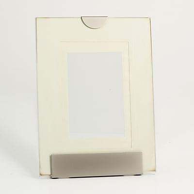 """Bey-Berk D119 Picture Frame With Easel Back, 6""""(H) x 4""""(W), Pearlized/Silver Plated"""