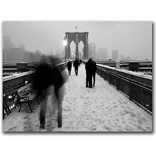 "Trademark Global Yale Gurney ""Love on the Brooklyn Bridge"" Canvas Art, 14"" x 19"""