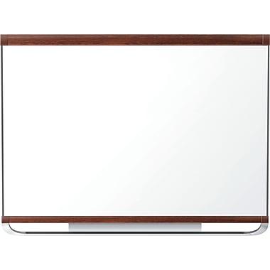 Quartet® – Tableau aimanté Prestige® 2 Total Erase®, cadre en acajou, 72 po x 48 po