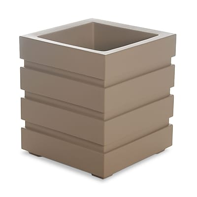 Mayne Freeport Patio Planter 18