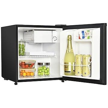 Magic Chef 1.7 Cubic-ft Manual Defrost Refrigerator, Black (MCR170BE)
