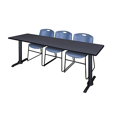 Regency – Table de formation Cain, 84 x 24 po, gris, et 3 chaises empilables Zeng, bleu (MTRCT8424GY44BE)
