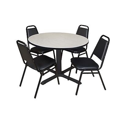 Regency – Table de salle de pause ronde Cain de 48 po, érable, avec 4 chaises empilables Restaurant, noir (TB48RNDPL29BK)