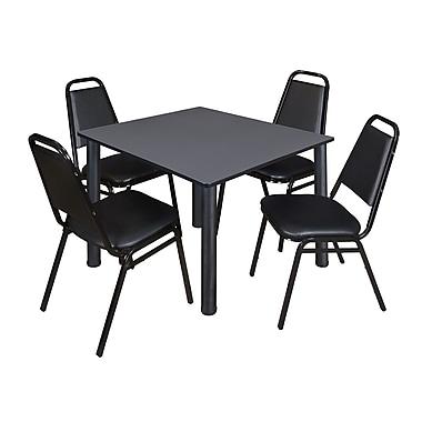 Regency – Table de salle de pause carrée Kee de 48 po, gris/noir, avec 4 chaises empil. de restaurant, noir (TB4848GYPBK29BK)
