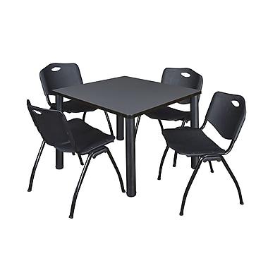 Regency ? Table carrée de salle de pause Kee grise et noire de 42 po et 4 chaises empilables « M »