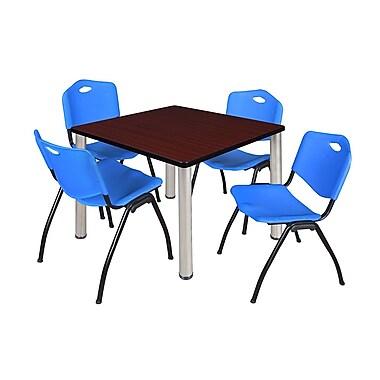 Regency – Table de salle de pause carrée Kee de 42 po, acajou/chrome, avec 4 chaises empilables M, bleu (TB4242MHPCM47BE)