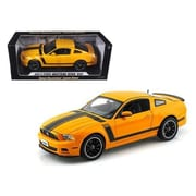 Shelby Collectibles 2013 Ford Mustang Boss 302 Yellow 1-18 Diecast Car Model (Dtdp1088)