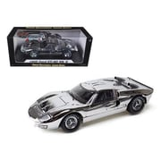 Shelby Collectibles 1966 Ford Gt40 Chrome Edition Limited To 500 Piece Worldwide 1-18 Diecast Car Model (Dtdp936)