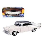 Motormax 1957 Chevrolet Bel Air Hard Top Cream with Custom Wheels 1-18 Diecast Model Car (DTDP636)