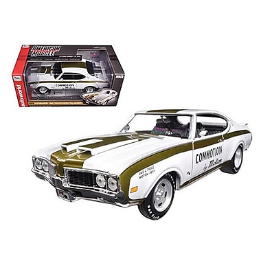 Autoworld 1969 Hurst Oldsmobile 455 Commotion by Motion Limited Edition to 1002 Piece 1-18 Diecast Model Car (DTDP1737)