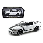 Shelby Collectibles 2013 Ford Mustang Boss 302 White 1-18 Diecast Car Model (DTDP1089)
