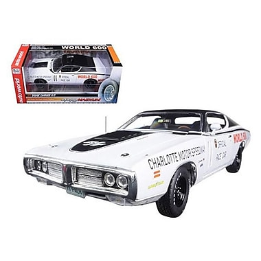 Autoworld 1971 Dodge Charger White Charlotte Speedway World to 1002 Piece 1-18 Diecast Model Car (DTDP1762)