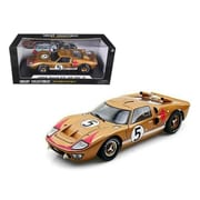 Shelby Collectibles 1966 Ford GT-40 MK 2 Gold No.5 1-18 Diecast Car Model (DTDP921)