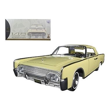 Road Signature 1961 Lincoln Continental Yellow 1-18 Diecast Model Car (DTDP768)