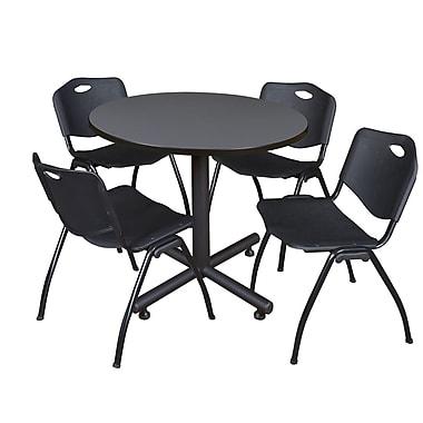 Regency ? Table ronde de 36 po en stratifié gris avec 4 chaises empilables « M »