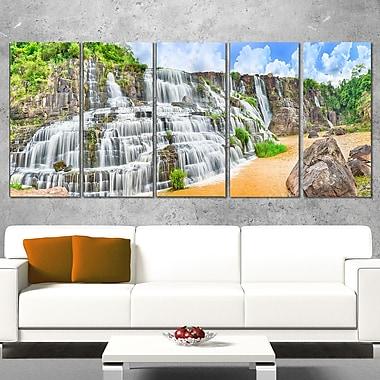 Art mural en métal, cascade Pongour, photographie